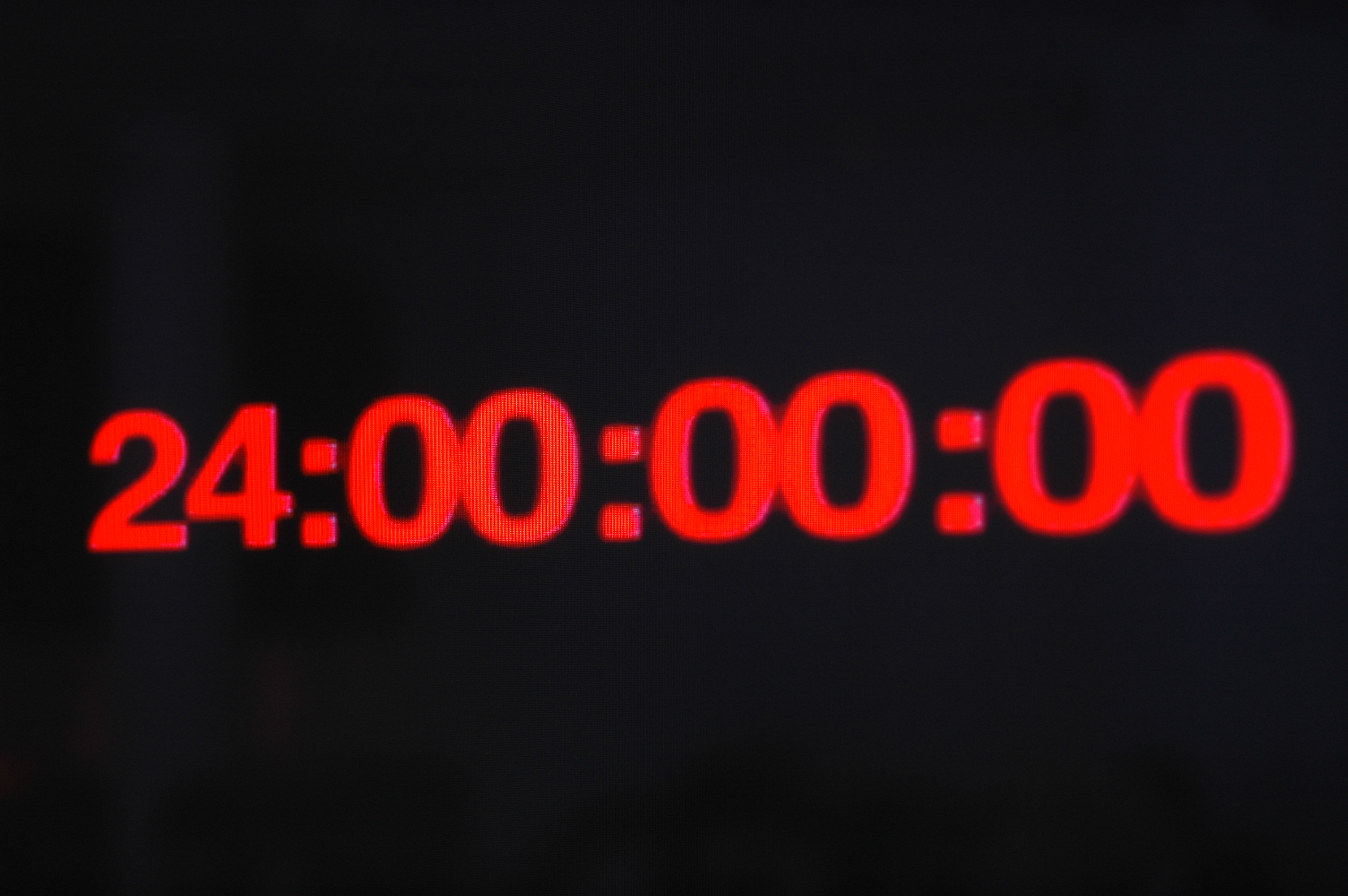 Zum PR-Launch von HUGO Energize werden innerhalb von 24 Stunden verschiedene Hot Spots in Berlin inszeniert.